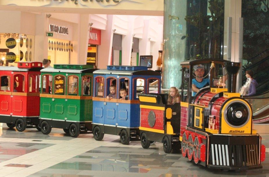 Prekybos centre kursuojančiam traukinukui vardą išrinks vaikai.