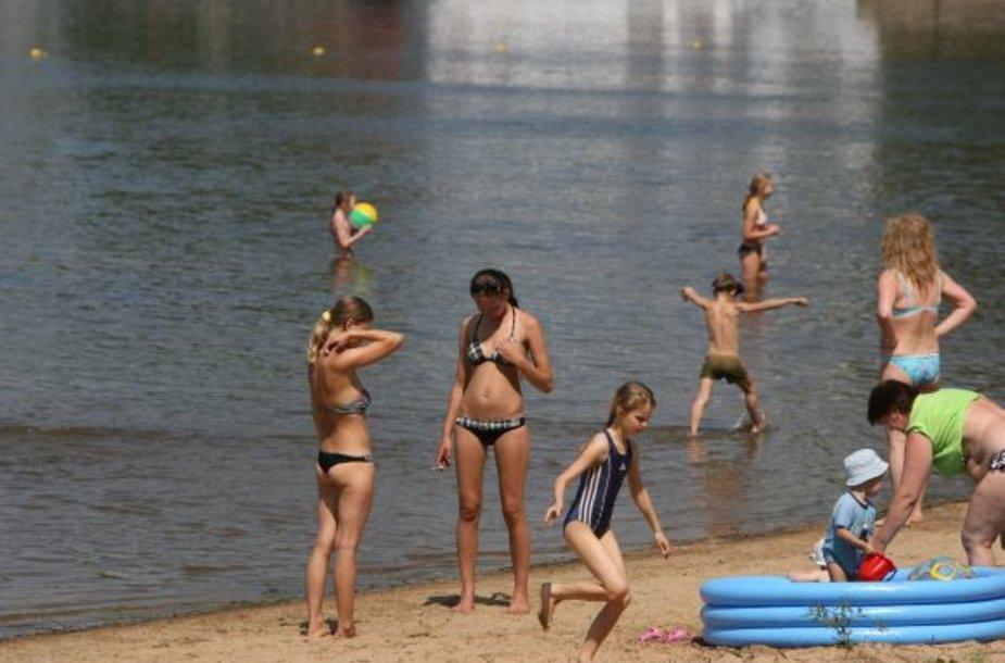 Kauno mariose maudytis saugiau, nes čia budi gelbėtojai.