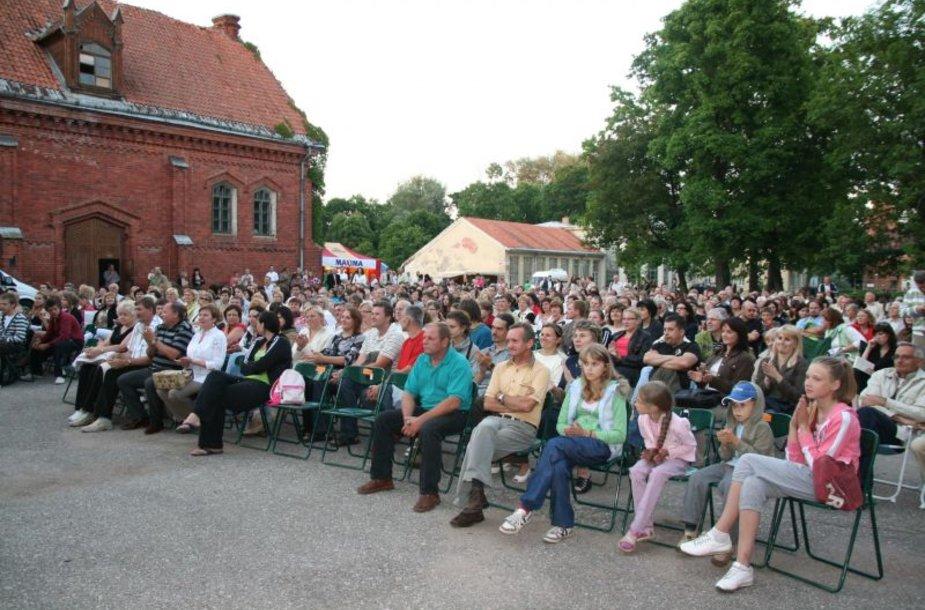 Pirmą kartą stebėti lietuvišką kiną Raudondvaryje kauniečiai galėjo pernai.