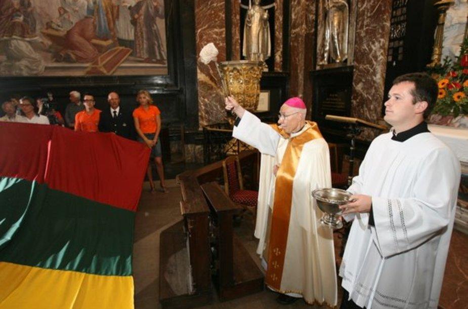 "Pašventinta jachtos ""Gold of Lithuania"" vėliava"