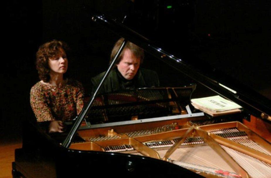 Klaipėdoje gros profesionalus fortepijoninis duetas, Rūta ir Zbignevas Ibelhauptai.