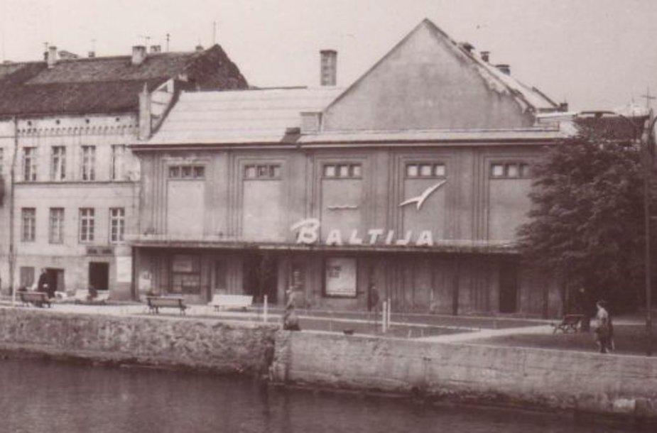 """Pokarinis buvusio """"Baltijos"""" kino teatro vaizdas"""