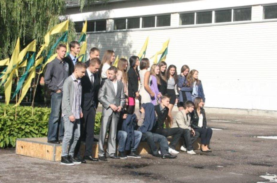 Vydūno vidurins mokyklos bendruomenė rugsėjo 1-ąją pasitiko naujose patalpose.