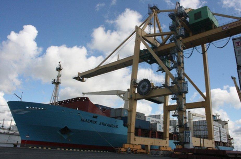 """Į Klaipėdą atplaukęs laivas """"Maersk Arkansas"""" atplukdė nekarinius krovinius, skirtus afganistaniečiams."""