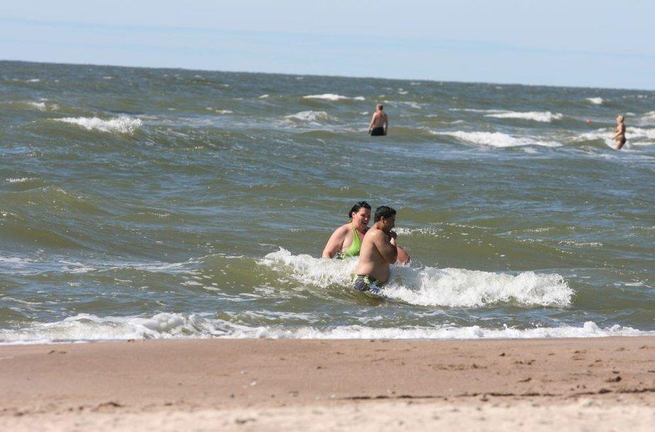 Jūra ties Klaipėda jau įšilusi iki 18 laipsnių.
