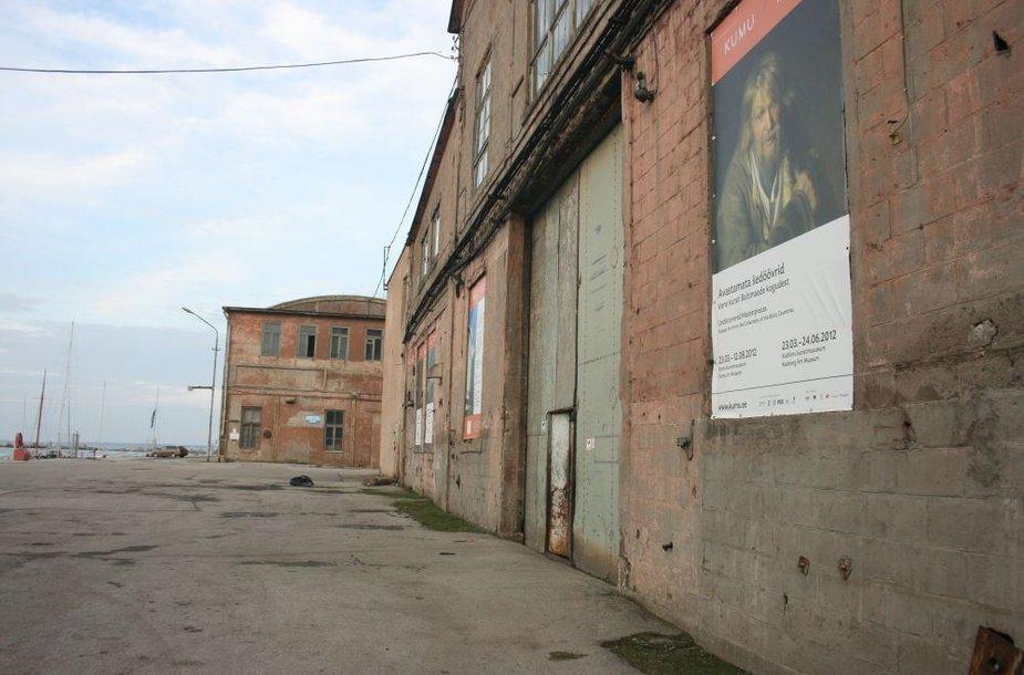 Talino krantinė paversta menine erdve, buvusiuose sandėliuose bus rengiami koncertai.