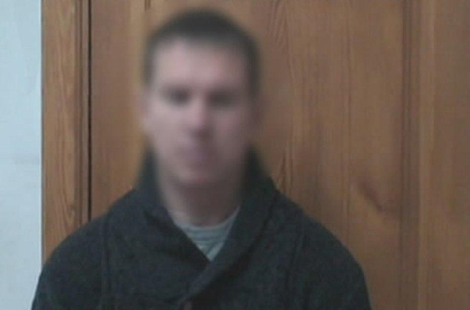 Brangų automobilį pagrobti bandęs vyras įkliuvo nusikaltimo vietoje.