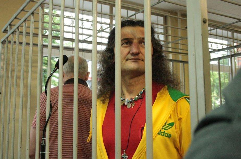 Henrikas Daktaras Klaipėdos apygardos teisme išklausė nuosprendį.