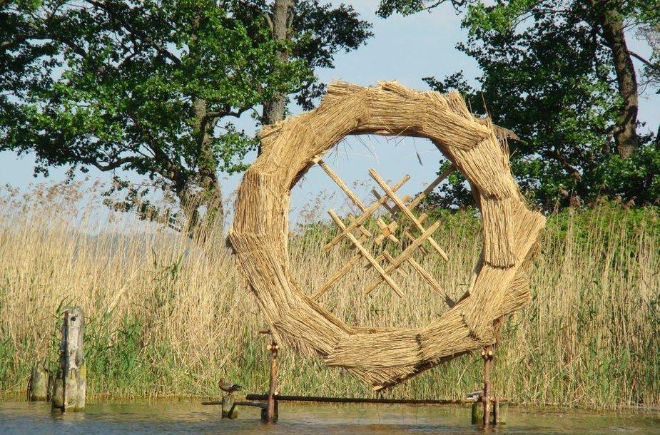 """Žilvino Danio ir Domino Puloko skulptūra """"Saulės ratas"""" siekia beveik 5 metrus."""