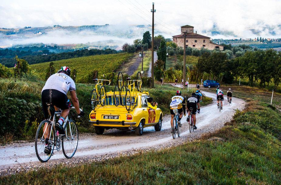"""Jau ne vienerius metus visame pasaulyje vyksta dviračių entuziastų žygiai """"Eroica"""", kurių tikslas – surinkti lėšų labdaringiems tikslams."""