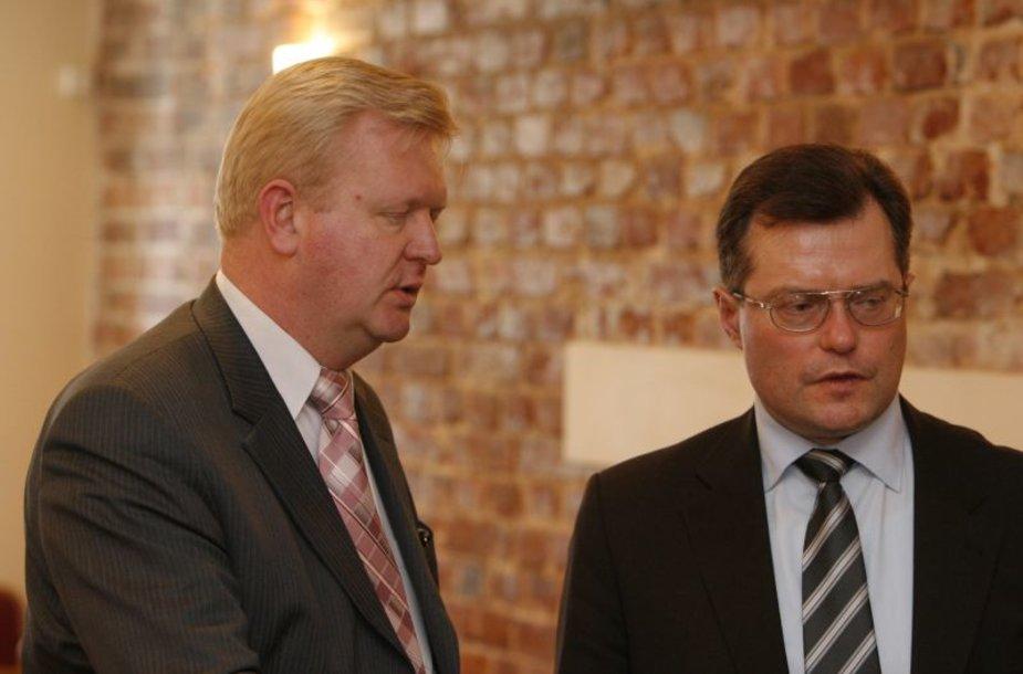 Vytautas Rinkevičius (kairėje) įtariamas protegavęs vieną statybų bendrovę.