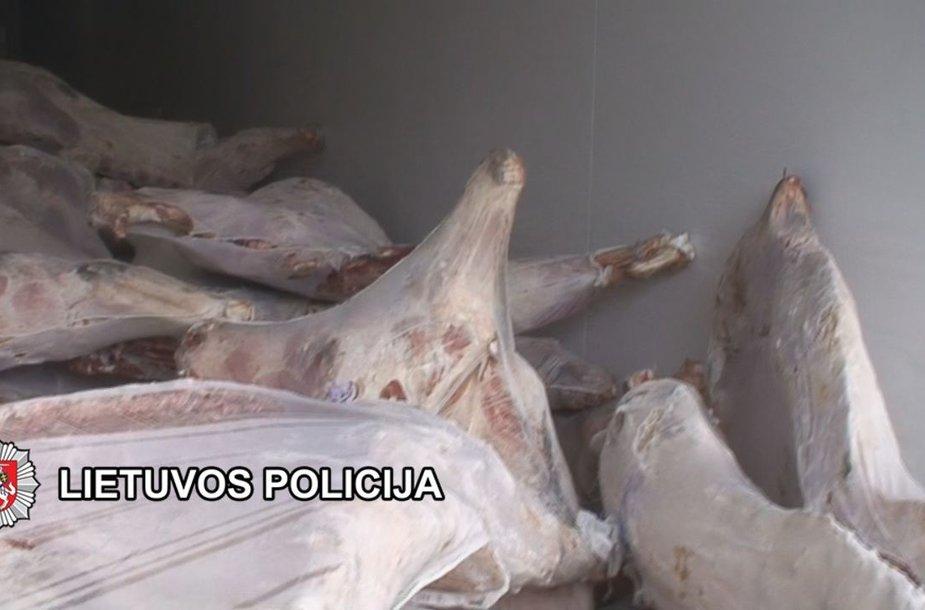 Tyrimo duomenimis, importuota mėsa nebuvo tinkama vartoti žmonėms, tačiau ja buvo prekiaujama.