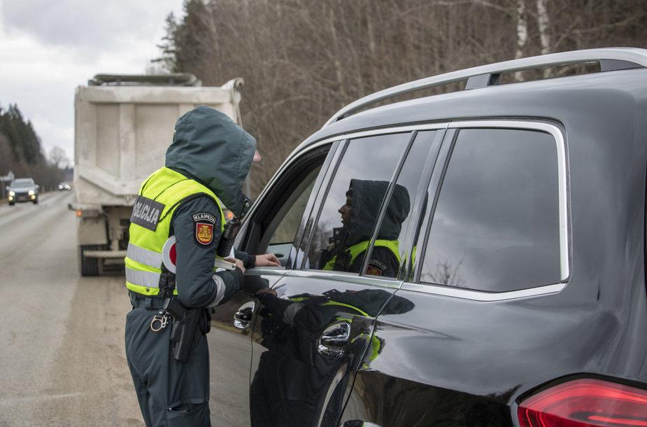 Savaitgalį Klaipėdos apskrityje vykdytas reidas: ikrintas transporto priemonių vairuotojų blaivumas, apsvaigimas nuo narkotinių ar kitų psichiką veikiančių medžiagų.
