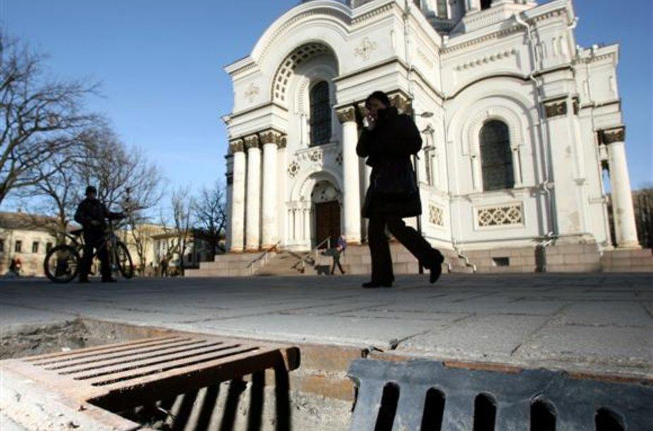 Aptriušę pastatai ar aptrupėjusios gatvės nėra silpniausia turistų laukiančio Kauno vieta. Svarbu, kad turistus čia pasitiktų šypsenos ir malonus aptarnavimas.