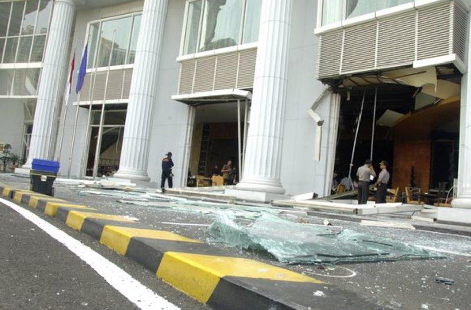 Indonezijoje prabangiuose viešbučiuose – kruvini išpuoliai