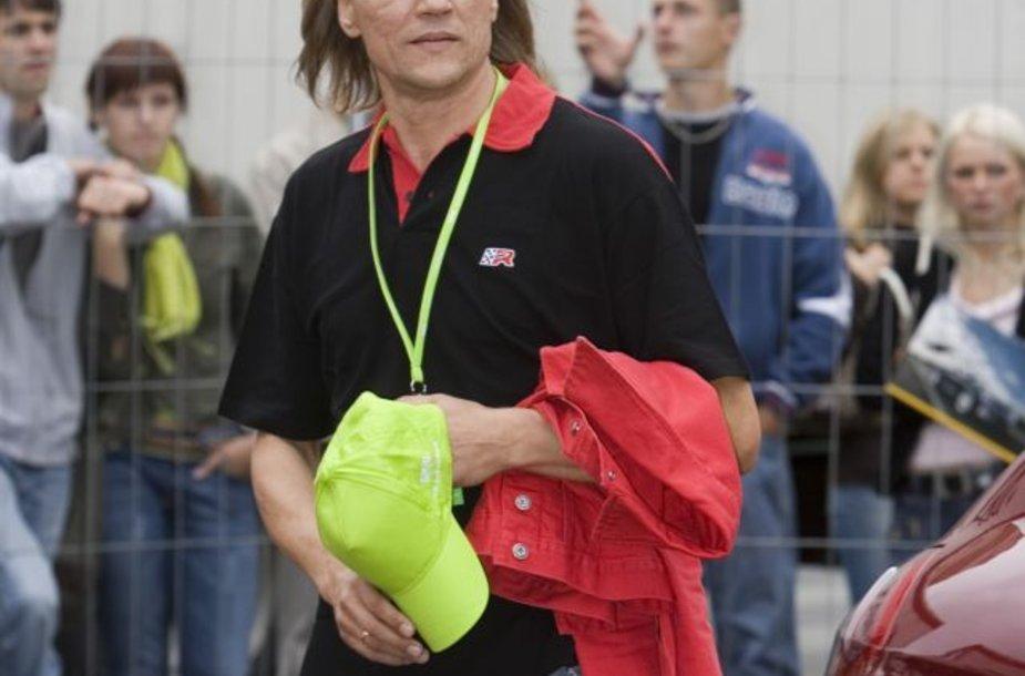 Foto naujienai: Kur dingo Česlovo Gabalio plaukai?