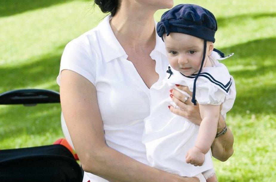 Foto naujienai: Daiva Lialytė - į renginį su dukrele