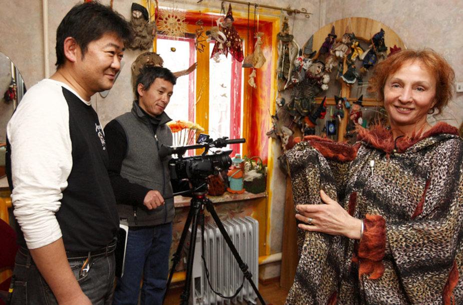 Foto naujienai: Vilija Lobačiuvienė: lietuviški raganavimai – per japonų TV