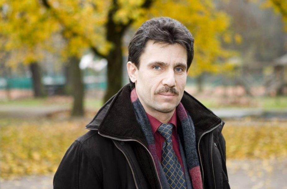 """Foto naujienai: Gydytojas A. Bagdonavičius: """"Gydo net pakelės akmuo..."""""""