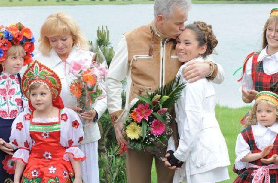 Foto naujienai: Jurijus Borisovas ir Viktorija Borisova: princesės puota