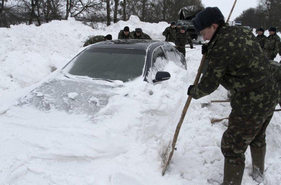 Ukraina užversta sniegu.