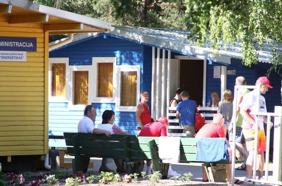 Ilgąjį savaitgalį Šventojoje vasaroja daugybė žmonių