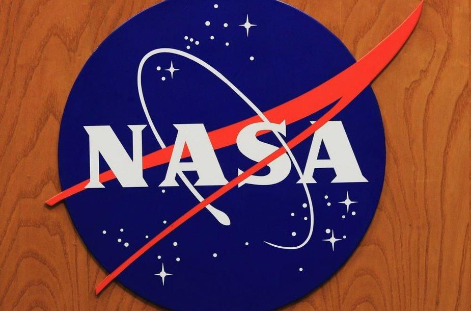 Lipdukas su NASA logotipu