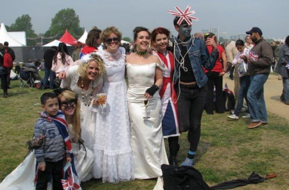 Karališkųjų vestuvių gerbėjams – didi diena