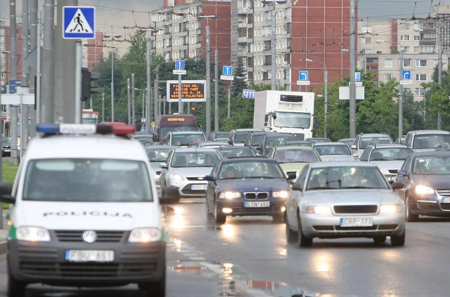 Į Pilaitę važiuojantiems vairuotojams reikia apsišarvuoti kantrybe