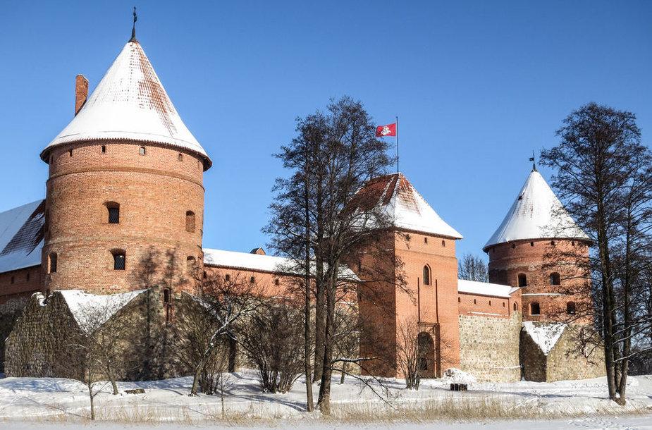Trakų pilis žiemą