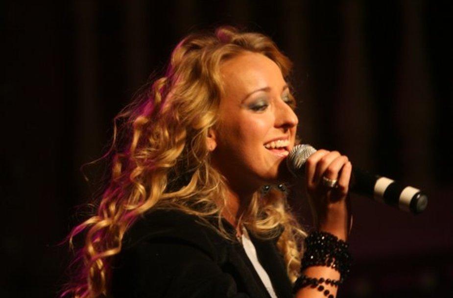 Dainininko R. Kirilkino 26 - tojo gimtadienio šventės akimirkos