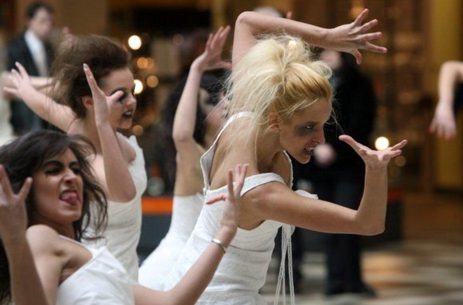 Nuotakų šokio akimirka