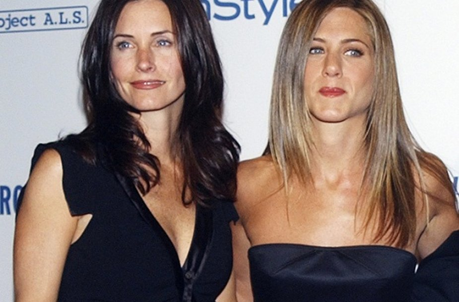 Courteney Cox ir Jennifer Aniston