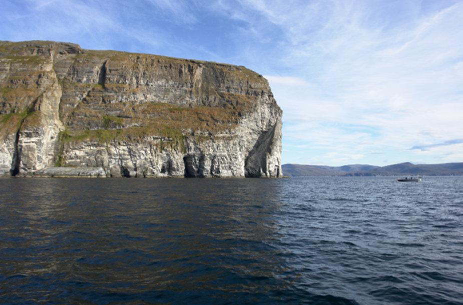 Jūroje orientyrų nėra, todėl reikia mokėti naudotis navigacijos prietaisais.