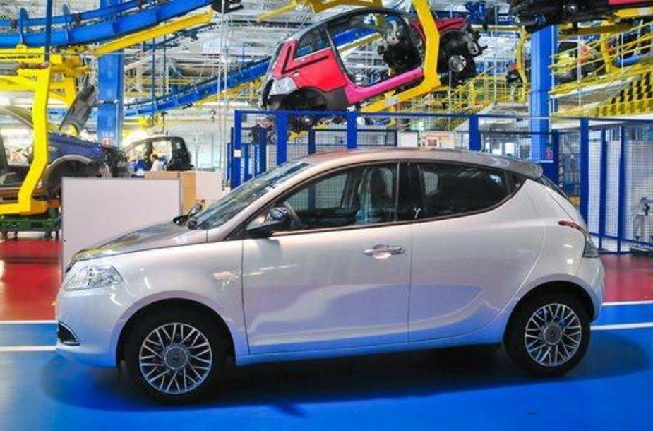 """Lancia Ypsilon"" gamykloje"