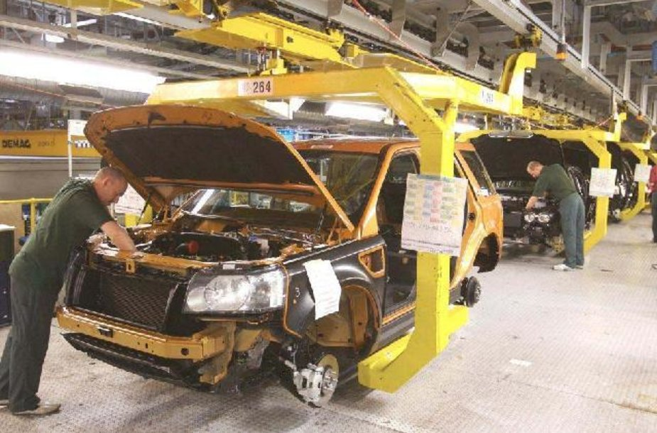 """Jaguar Land Rover"" gamykloje"