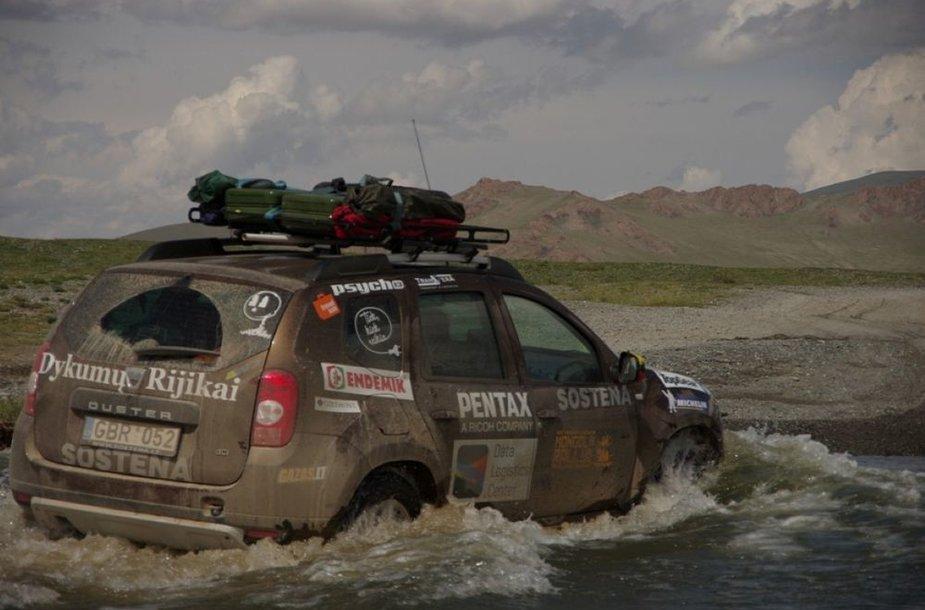 """Dacia Duster"" žygyje ""Mongol Rally 2012"""