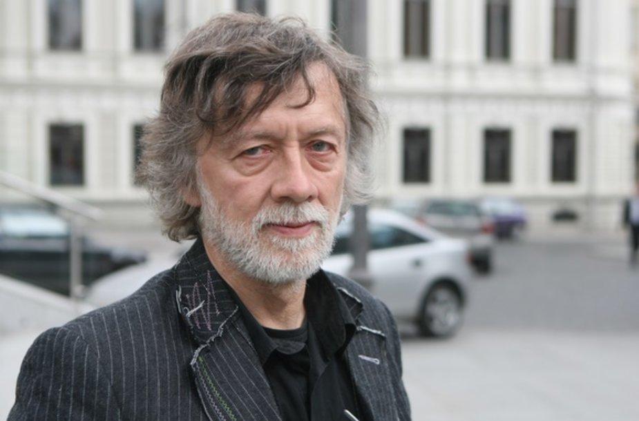 Poetas, vertėjas Antanas A. Jonynas tiki, kad Rašytojų sąjunga ras savąjį kelią ir geriausią būdą išreikšti save visuomenėje.