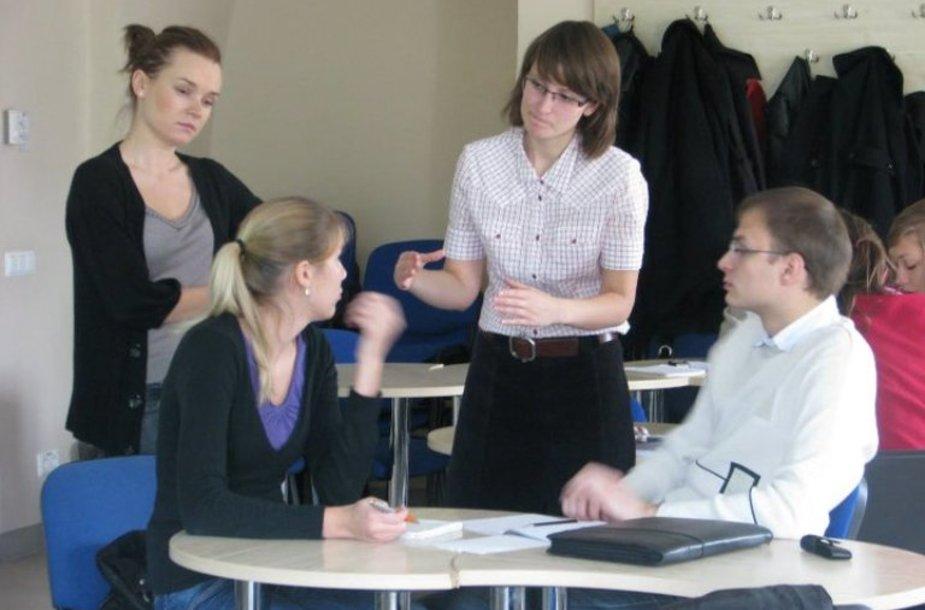 """2010 metų """"Projektų rengimo akademija"""" dalyviai"""