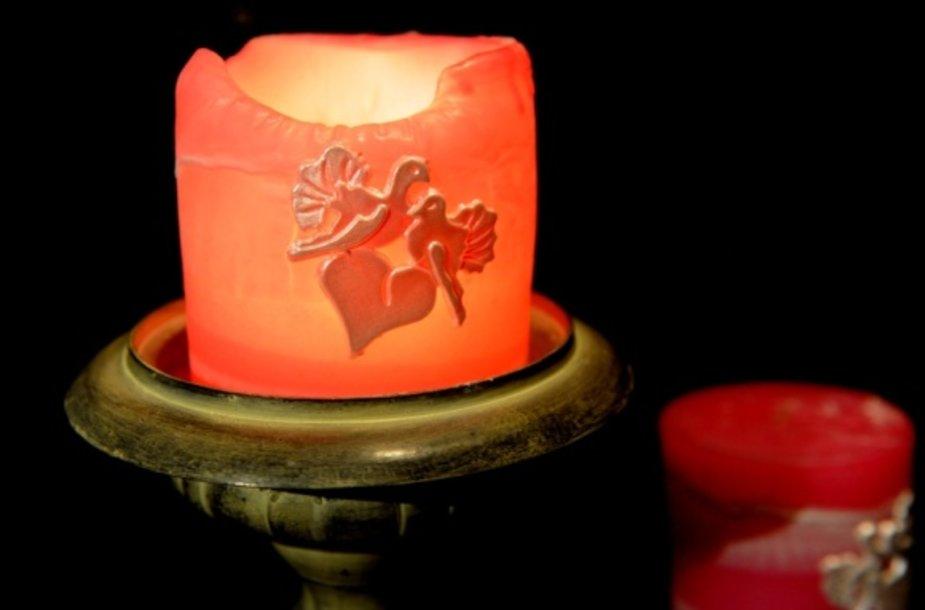 Tokios žvakės gaminamos rankomis