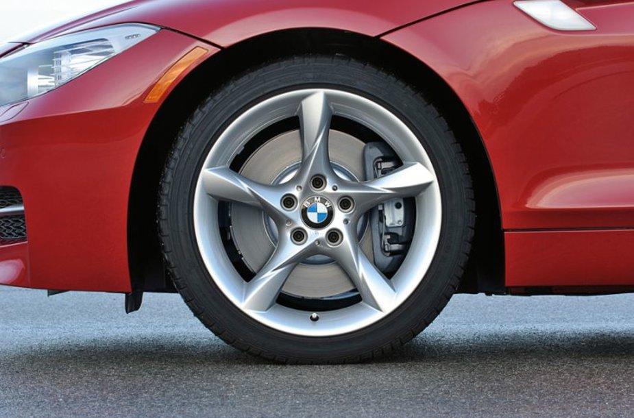 Priekiniais ratais varomas BMW taps realybe