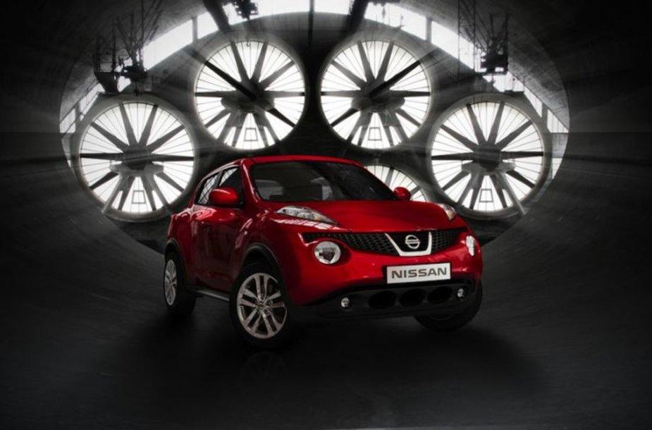 """""""Nissan Juke"""" – mažas ir sportiškas SUV"""