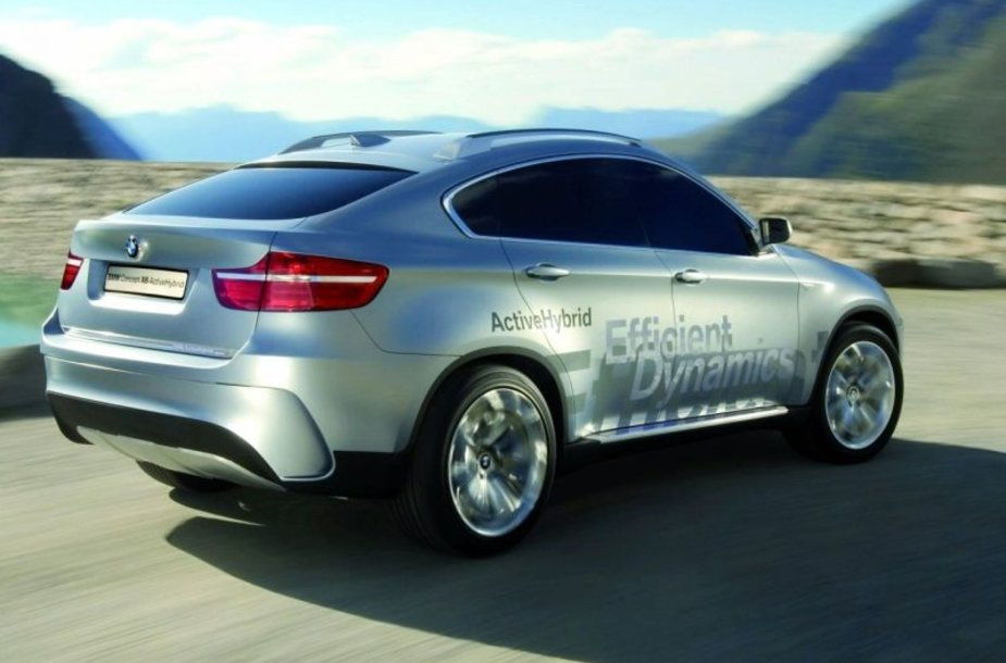 BMW asortimentą papildys hibridai