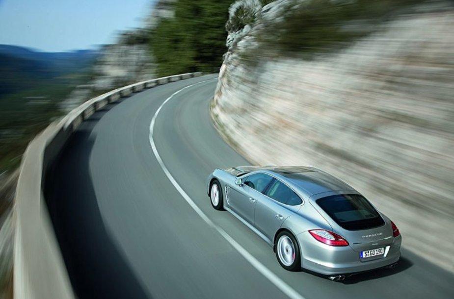 """""""Porsche Panamera"""" – pasaulinės premjeros belaukiant"""