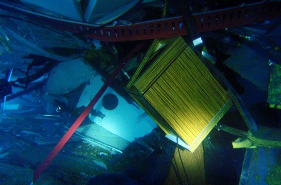 "Apvirtęs ""Costa Concordia"" laivas"