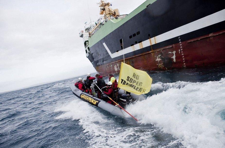 """""""Greenpeace"""" aktyvistų protestas"""