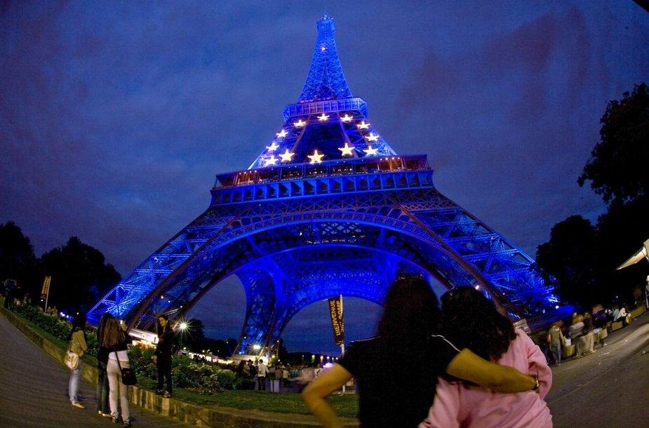 Eifelio bokštas Europos Sąjungos vėliavos spalvomis