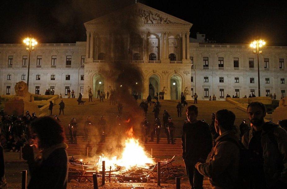 Protestas prie Portugalijos parlamento
