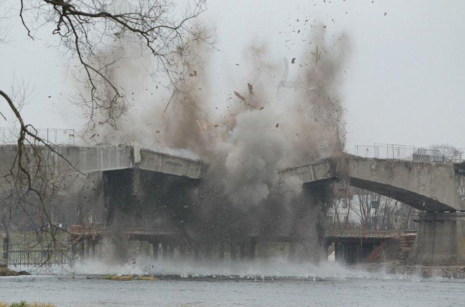 Kauno Panemunės tilto sprogdinimo akimirka