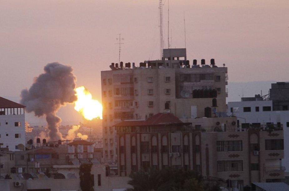 Gazos miestas per Izraelio raketų atakas